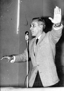 LES PRÉMISSES D'UN DIALOGUE DANS UN CONTEXTE TROUBLÉ  (Juin – Août 1955) : Le combat pour l'unité territoriale