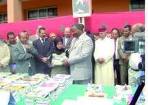 Opération un million de cartables  : Khénifra lance la distribution à Tounfite