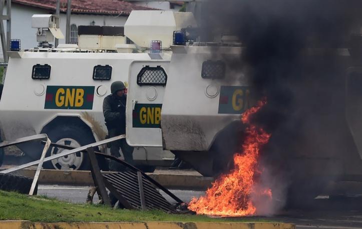 Traque des auteurs de l'attaque contre une base militaire au Venezuela