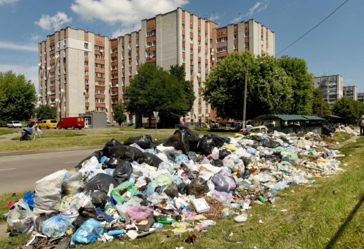 A Lviv, crise des ordures sur fond de lutte politique