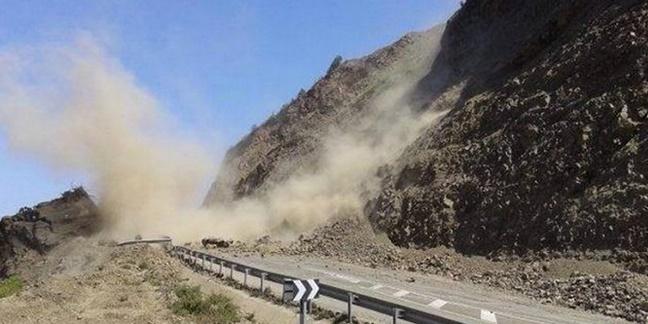La circulation rétablie en alternance entre Taddart et Tichka après un éboulement rocheux