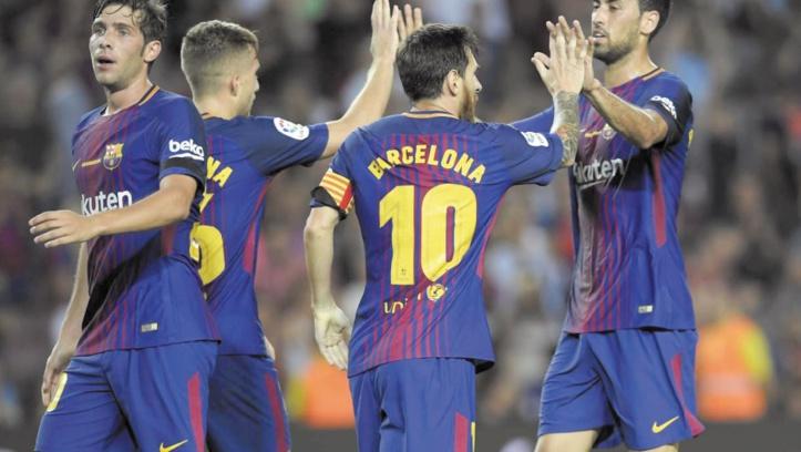 Après les attentats, le Barça s'impose et se recueille