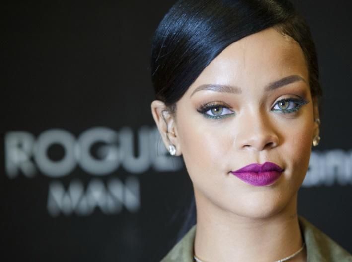 Rihanna se moque des critiques