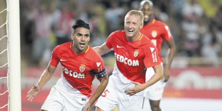 Monaco humilie Marseille et rejoint le PSG en tête
