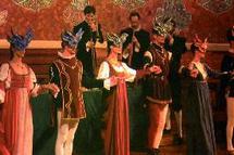 Avec la Compagnie italienne « La Rossignol » : Casablanca sous les airs et danses antiques