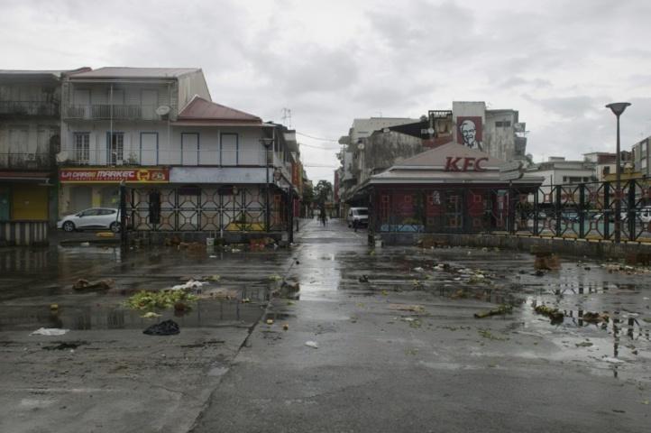 Irma sème le chaos dans l'Atlantique
