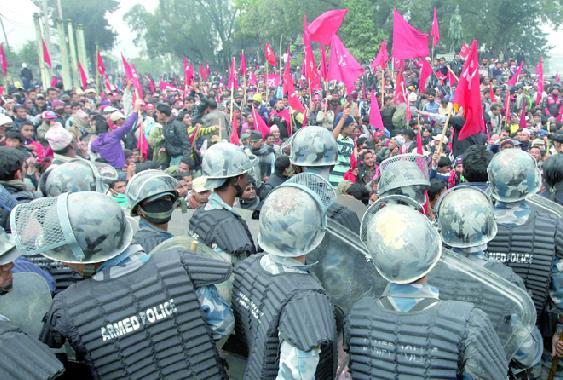 Népal : Manifestation massive de maoïstes à Katmandou