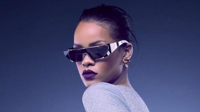 Rihanna planche sur son neuvième album