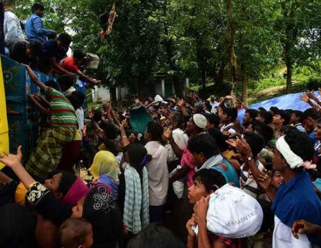 Le Bangladesh submergé par les réfugiés