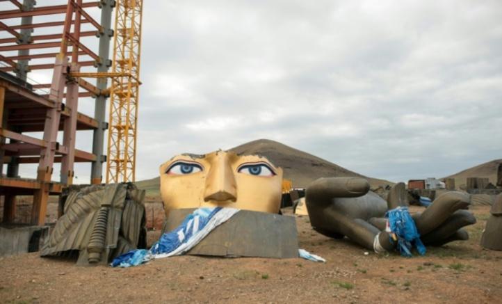 En Mongolie, le bouddhisme ressuscite mais manque d'argent