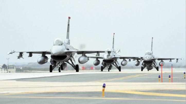 Des chasseurs et bombardiers américains survolent la péninsule coréenne