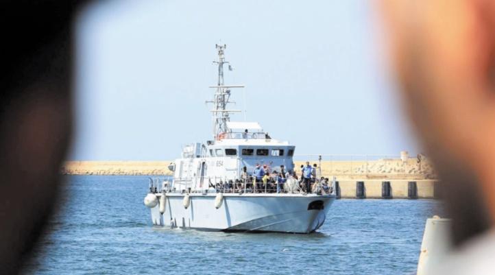 La marine libyenne menace de saisir des bateaux d'ONG