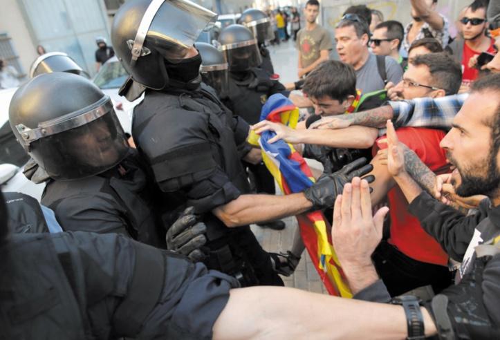 Les Catalans votent en défi  aux autorités espagnoles