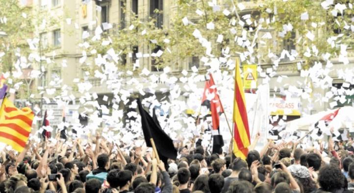 Le roi d'Espagne dénonce les indépendantistes catalans