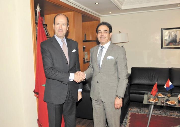 Abdelkrim Benatiq s'entretient avec l'ambassadeur de France à Rabat