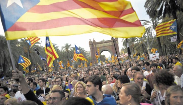 Puigdemont pressé de déclarer l'indépendance de la Catalogne