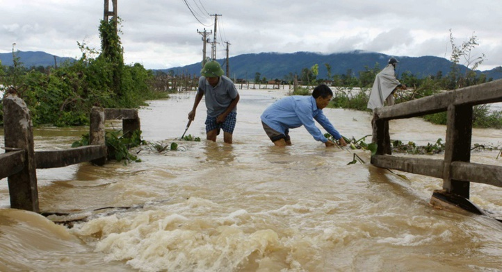 37 morts dans des inondations au Vietnam