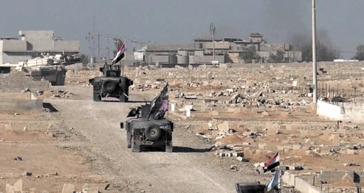 Violentes attaques visant l'EI dans la région de Mossoul