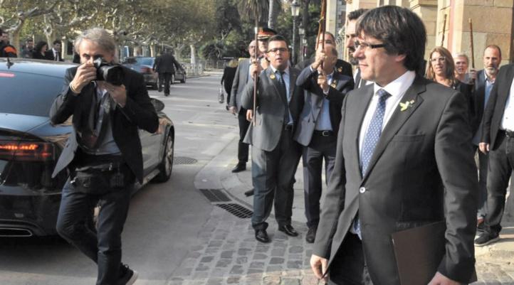 L'Espagne émet un mandat d'arrêt contre Puigdemont