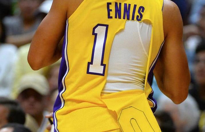 Les nouveaux maillots NBA se déchirent