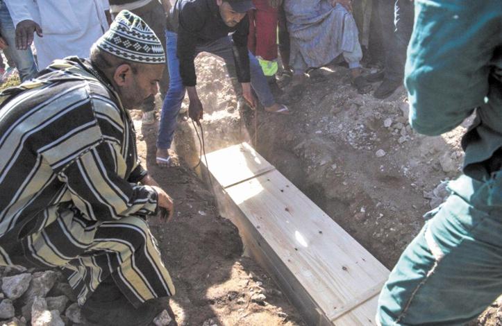Les familles des victimes du panier de la honte enterrent leurs morts