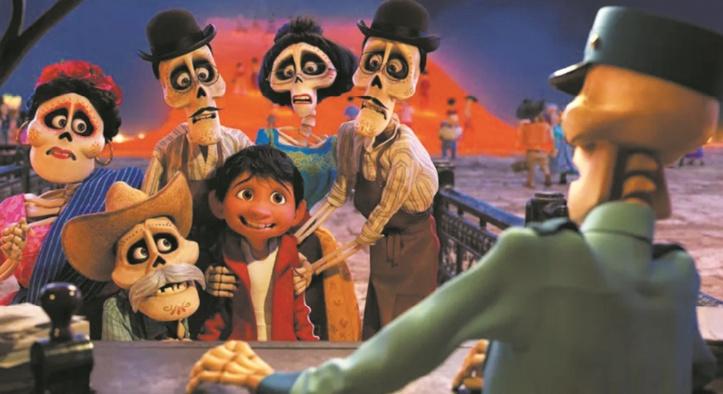 """Les squelettes colorés de """"Coco"""" prennent la tête du box-office"""