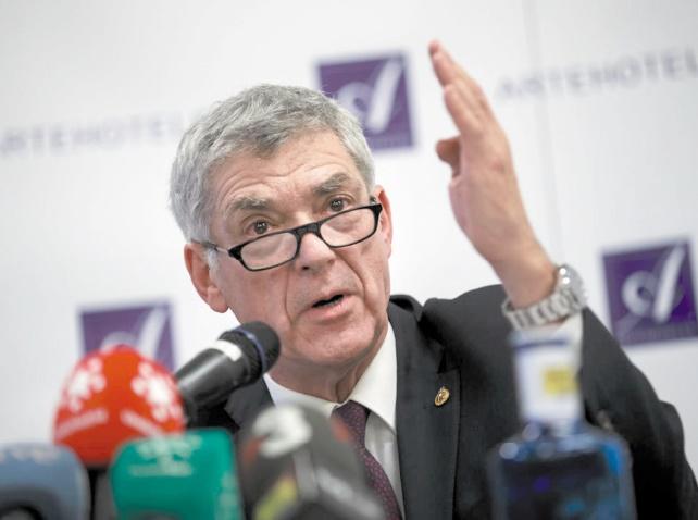 Villar refuse de partir et accuse le gouvernement d'ingérence