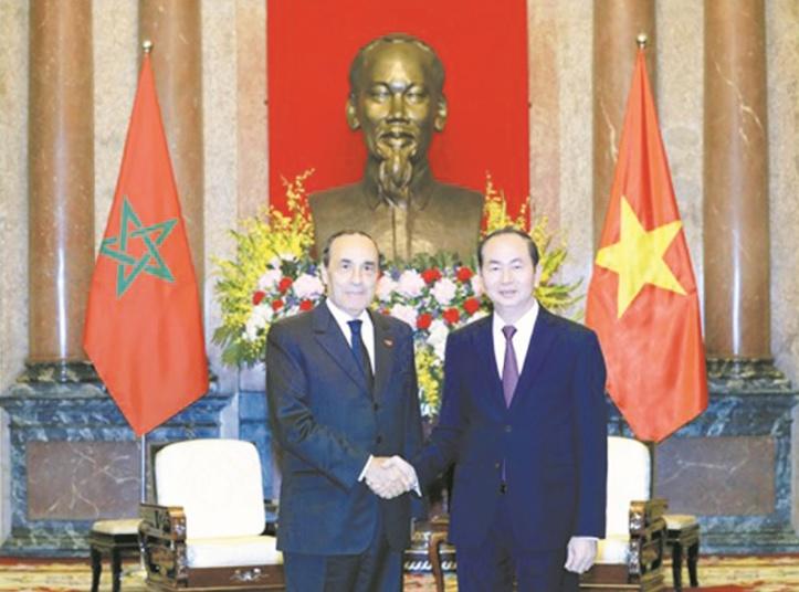 Habib El Malki et Trân Dai Quang , le 18 décembre à Hanoï.      Photo Le Courrier du Vietnam