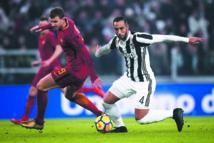 Calcio : La Juventus et Naples prennent le large
