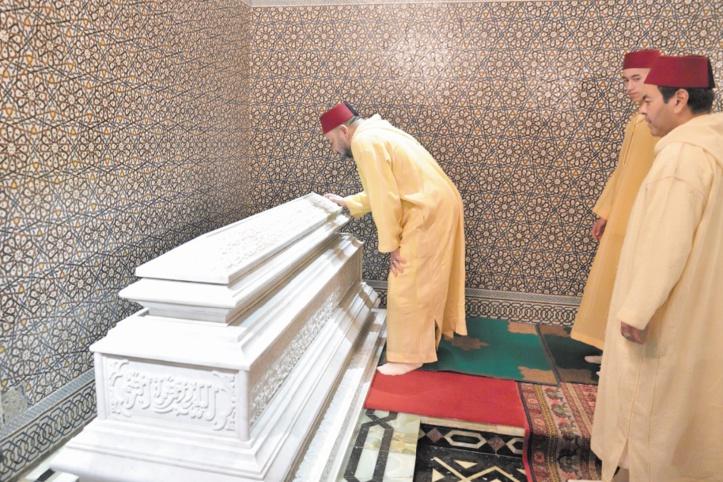 Cérémonie du souvenir au Mausolée Mohammed V