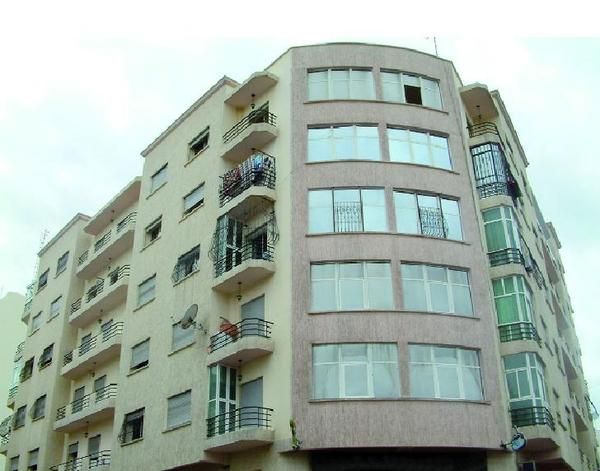 La demande en logements s'accroît, le déficit aussi : Vers où se dirige la politique immobilière au Maroc ?