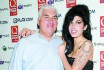 Le fantôme d'Amy Winehouse rendrait visite à son père