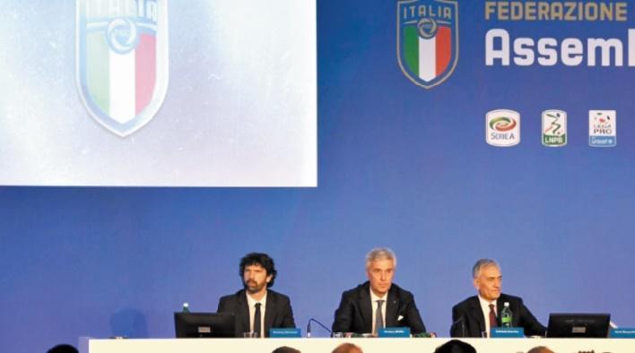 Le calcio s'enfonce dans la crise : Fiasco à la Fédération italienne
