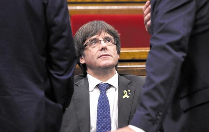 L'investiture de Carles Puigdemont reportée