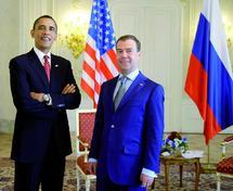 Obama et Medvedev se retrouvent à Prague : Nouveau traité sur les arsenaux nucléaires