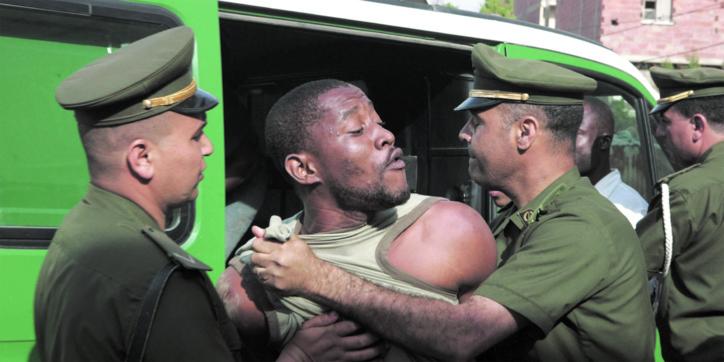 """Véritable """"chasse  à l'homme noir"""" à Alger"""