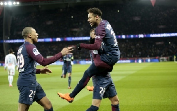 "Neymar et Mbappé enfin en mode ""clasico"""