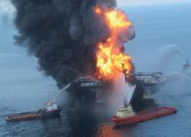 Naufrage d'une plateforme pétrolière: Marée noire dans le Golfe du Mexique