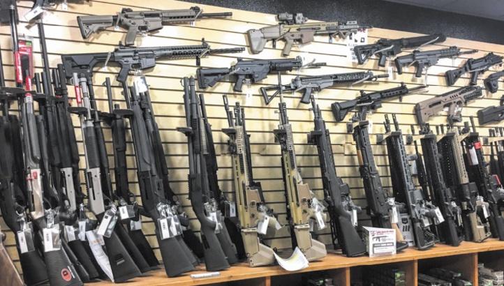 De grandes enseignes américaines restreignent la vente d'armes