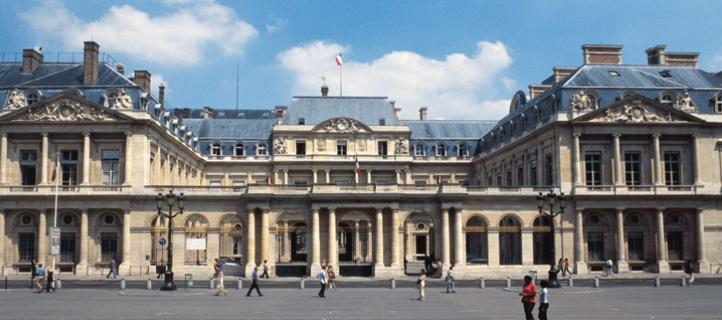 Changement de statut d'étudiant à salarié Le Conseil d'Etat français assouplit les règles