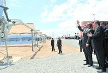 SM le Roi inaugure la centrale thermo-solaire d'Ain Béni Mathar