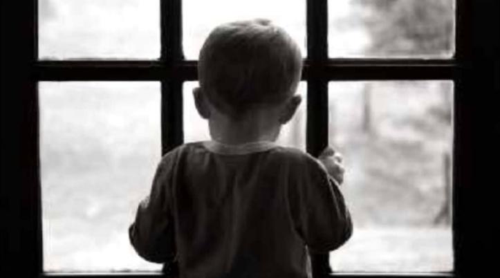 Le compteur s'affole entre flou terminologique et vide juridique  : Le nombre d'enfants abandonnés au Maroc estimé à des dizaines de milliers