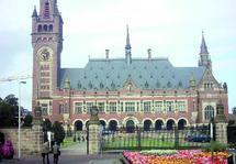 Justice internationale : Le long chemin vers la compétence universelle
