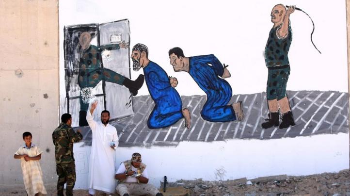 """L'ONU dénonce des """"horreurs"""" dans les prisons libyennes"""