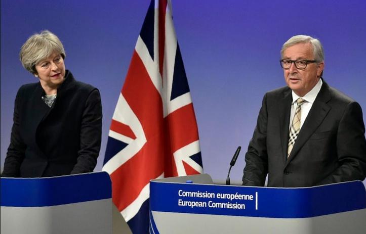 """Brexit: pas d'accord avec Londres sans solution au """"problème"""" irlandais"""