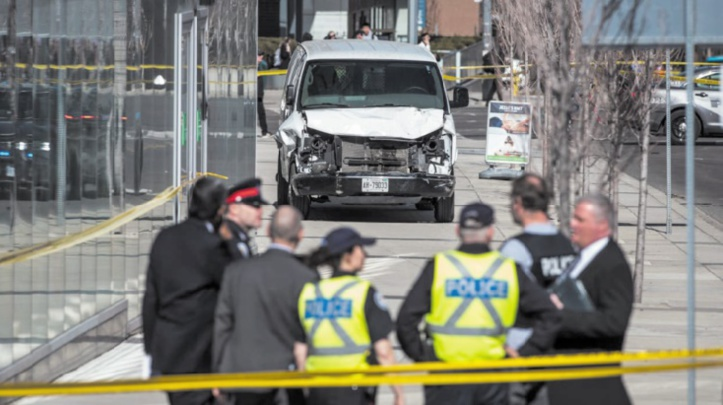 10 morts dans une attaque à la camionnette-bélier à Toronto