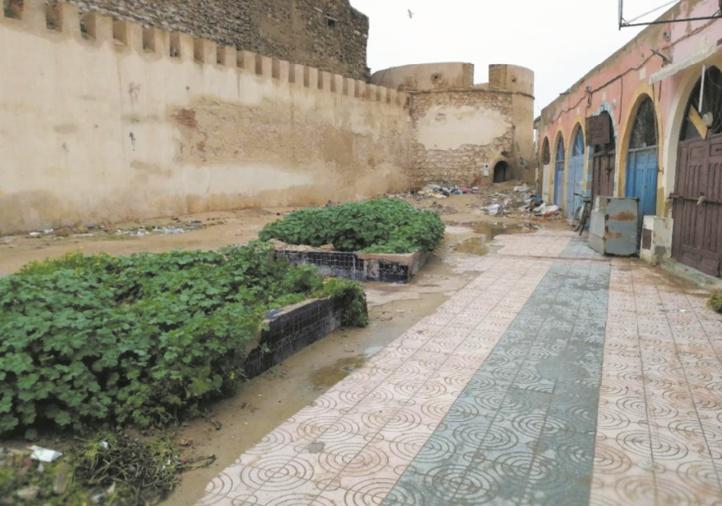Triste sort de la Place des artistes et du bastion Bab Doukkala à Essaouira