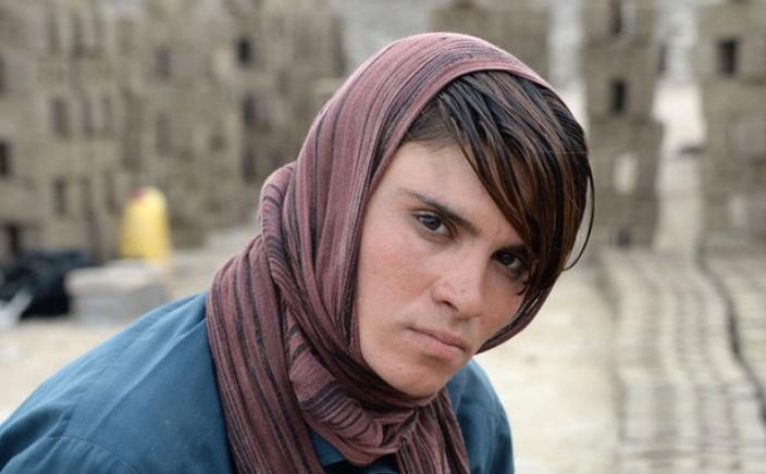 En Afghanistan, quand les filles jouent le fils aîné