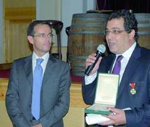 Le cinéaste a déjà reçu plusieurs prix dans différents festivals en Italie : Hamid Basket, chevalier de l'Ordre de l'Etoile de solidarité italienne