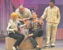Hommage à Benyahya Ezzaoui à l'ouverture du Festival international de théâtre d'Oujda